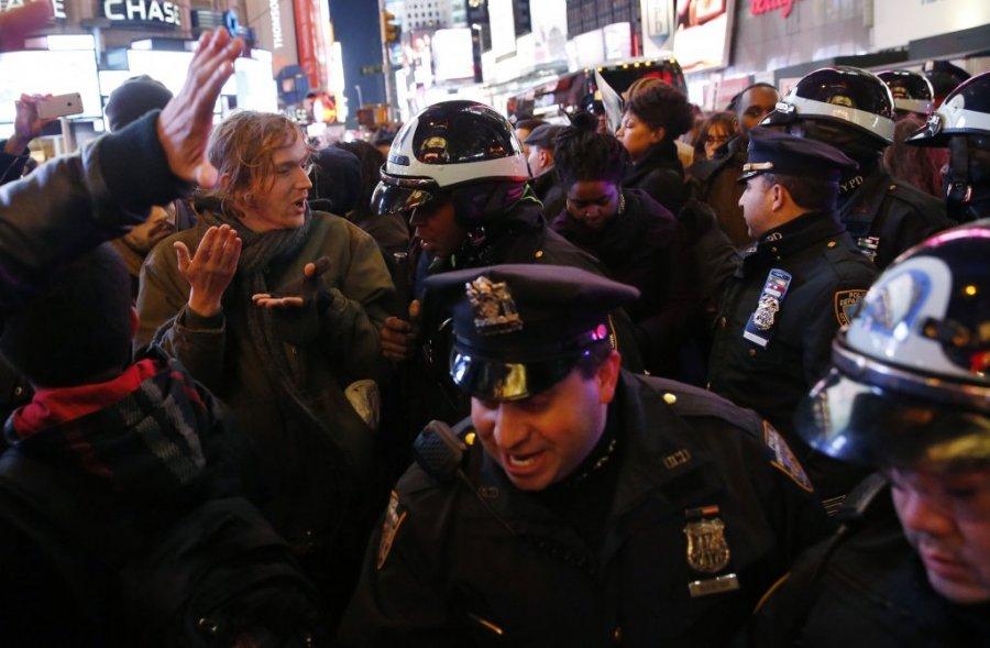 njujork-rasni-protesti-ubistvo-crnca-erik-garner-foto-reuters-1417768603-596169.jpg