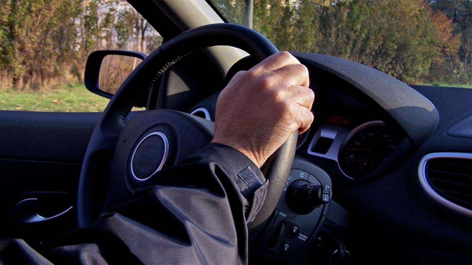 voznja-automobil-volan-vozac.jpg
