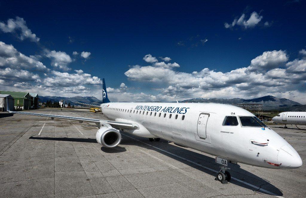 montenegro_airlines_embraer_043_b.jpg
