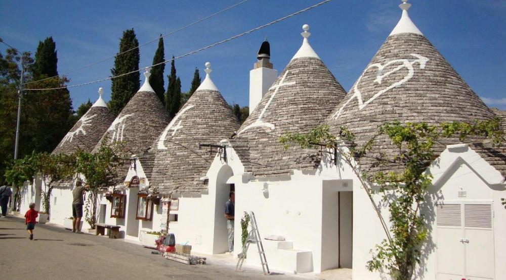NA BREŽULJCIMA PROVINCIJE BARI: Čudesni italijanski gradić nastao kao poreska prevara